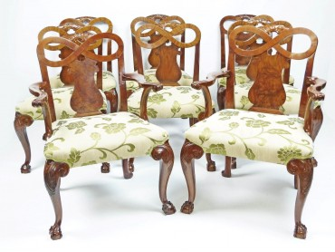Set of 8 Large Dining Chairs in the George II style