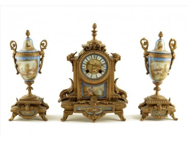 Antique French Mantel clock with Garniture