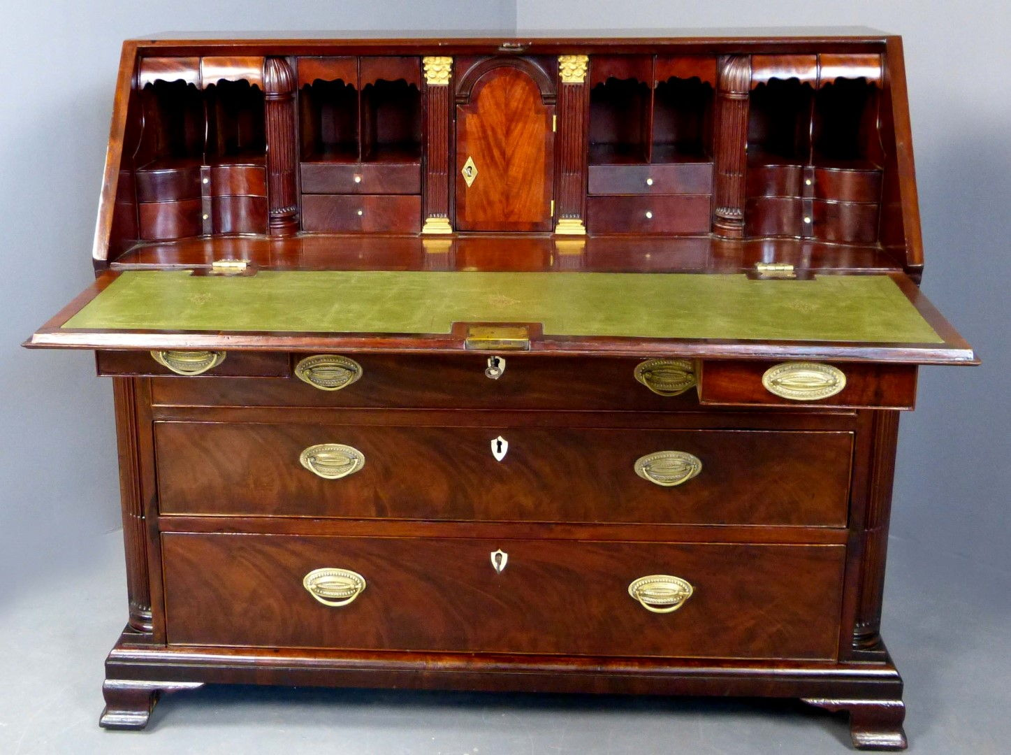 Antique furniture antique cupboards antique tables for Antique furniture