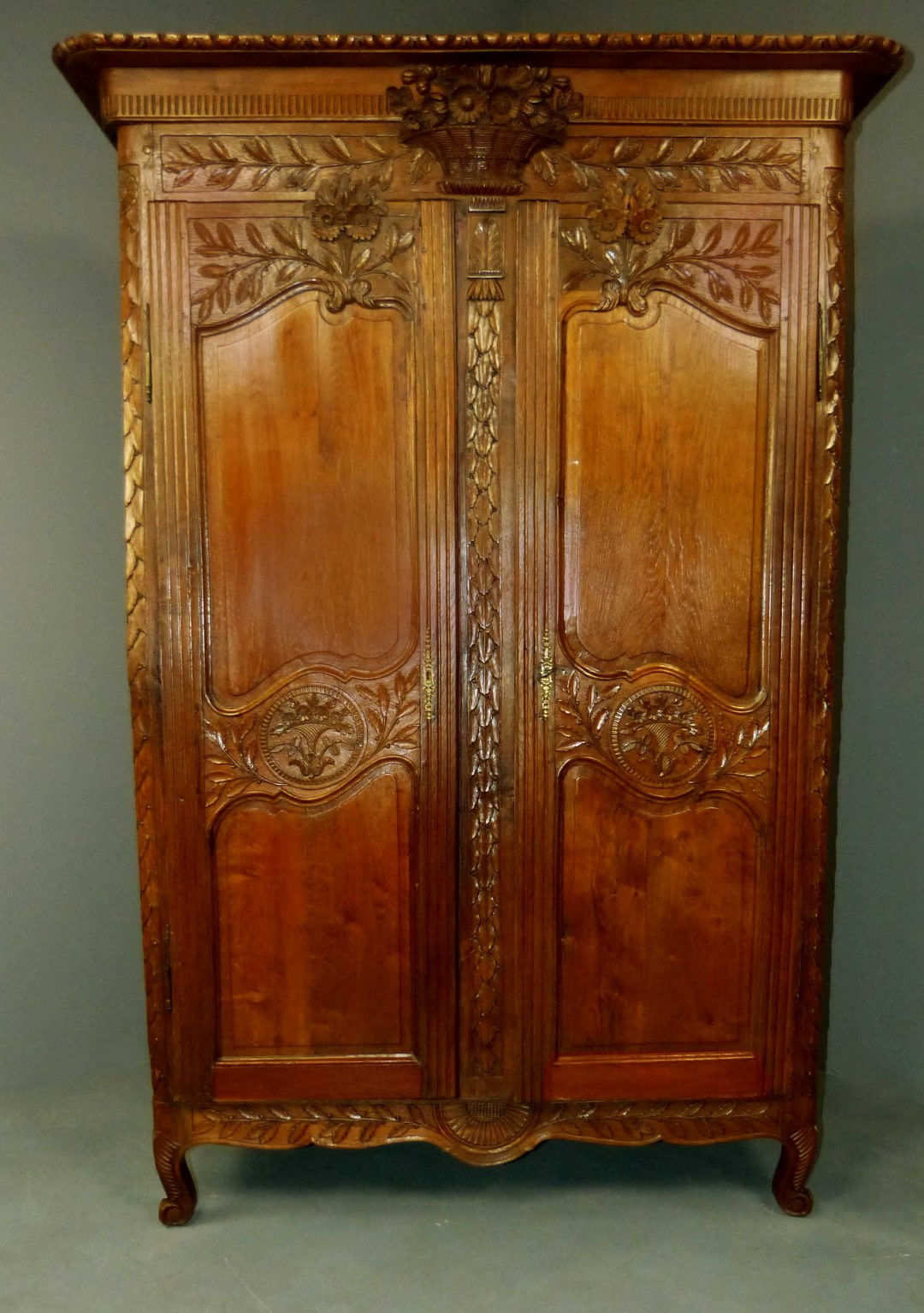 antique furniture antique cupboards antique tables. Black Bedroom Furniture Sets. Home Design Ideas